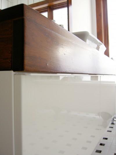 Meuble IKEA et comptoir en bois